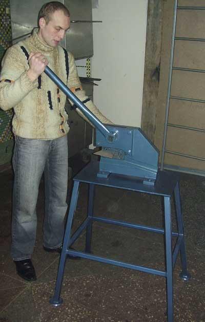 Гильотина ручная для резки металла своими руками